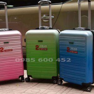 Sản xuất vali nhựa giá rẻ